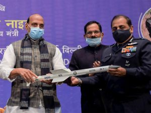 Rajnath Singh hands over high-tech systems to chiefs of 3 armed forces_50.1