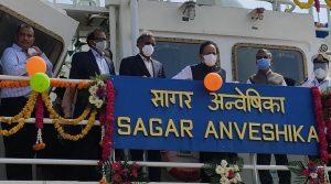 Harsh Vardhan launches Coastal Research Vessel Sagar Anveshika_50.1
