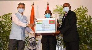 India & Maldives sign 5 deals to boost infrastructure_50.1
