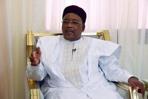Niger's President Mahamadou Issoufou wins Africa's top prize_50.1
