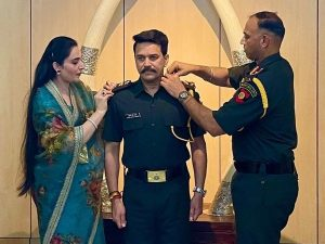 Union Minister Anurag Thakur promoted as Captain in Territorial Army_50.1