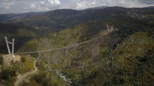The World's Longest Pedestrian Bridge Opens in Portugal_50.1