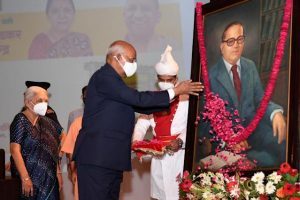 President Kovind Laid Foundation Stone For Ambedkar Memorial And Cultural Centre | আম্বেদকর মেমোরিয়াল অ্যান্ড কালচারাল সেন্টারের জন্য রাষ্ট্রপতি রাম নাথ কোবিন্দ ভিত্তি প্রস্তর স্থাপন করলেন_40.1