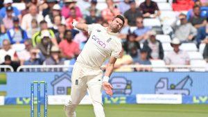 James Anderson becomes 3rd highest wicket-taker in Test cricket_50.1