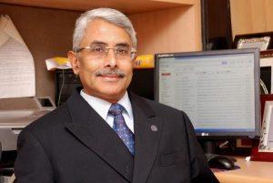 Neurosurgeon Basant Misra receives prestigious AANS Award_50.1